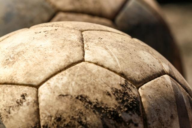 屋良充紀(やらみつとし)コラム-フットボール?それとも蹴球?